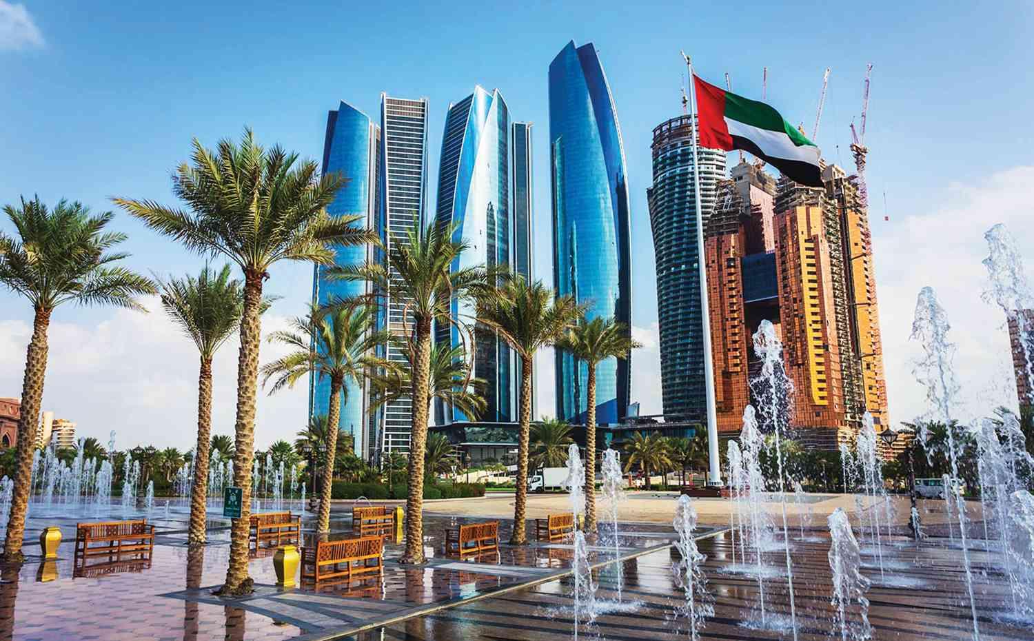 بالفيديو  ..  فنان لبناني جديد يحصل على الإقامة الذهبية في الإمارات