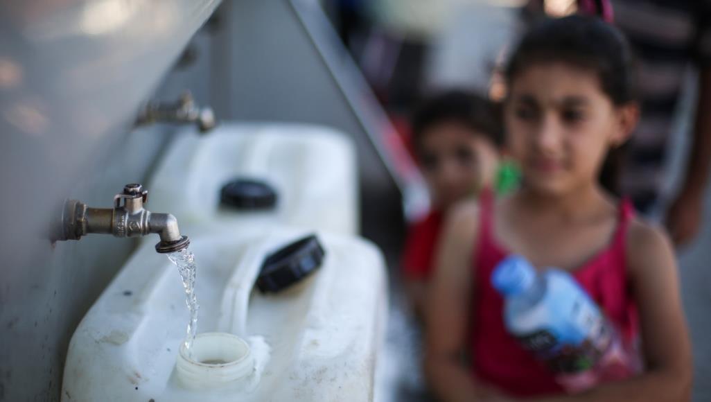 """حي """"الأصلم"""" في البـادية الشرقية بدون مياه منذ عام 1995  ..  وسكان الحي يعتزمون مقاضاة وزارة المياه والري  ..  """"تفاصيل"""""""