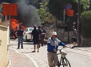 عاجل .. إصابة 3 إسرائيليين بانفجار سيارة  في ''تل ابيب'' (صور)