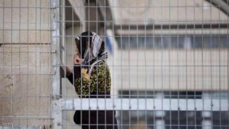 الاحتلال يمدد اعتقال سيدة مقدسية وزوجها