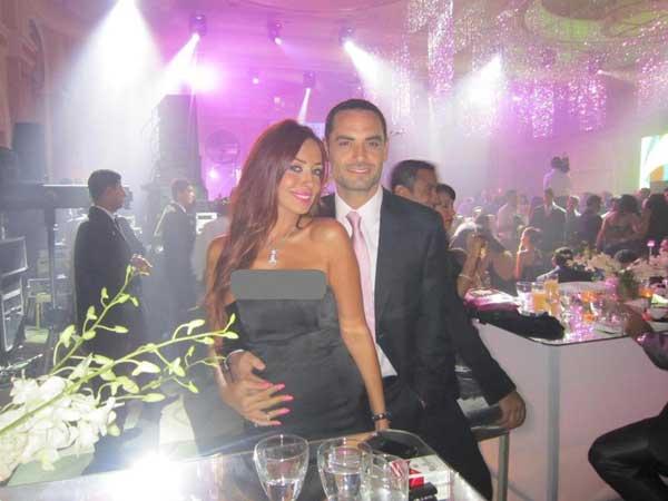 الفنانة اللبنانية نسرين زريق: زوجي لا يغار عليّ