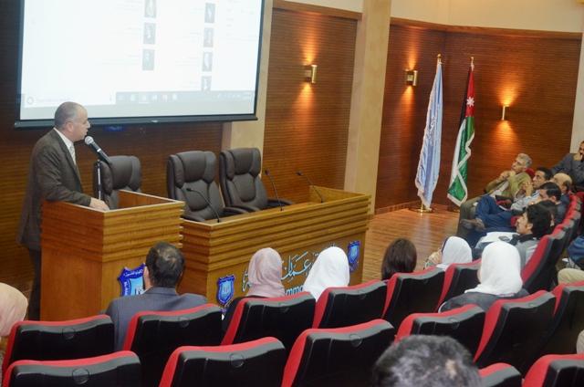 عميد كلية الآداب والعلوم بجامعة عمان الأهلية ونوابه ورؤساء الاقسام  يلتقون بطلبة الكلية المستجدين