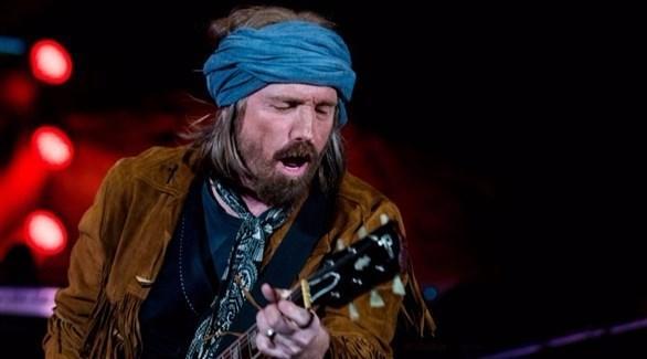 وفاة مغني الروك توم بيتي