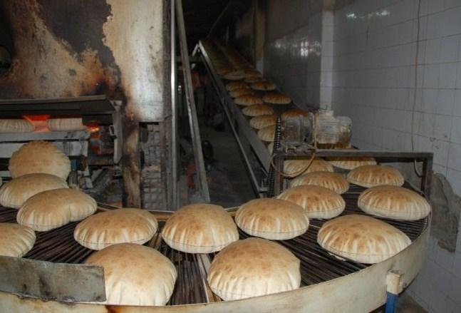 وزير الصناعة يكشف تفاصيل جديدة عن قيمة و آلية صرف الدعم النقدي لمستحقيه بعد رفع سعر الخبز