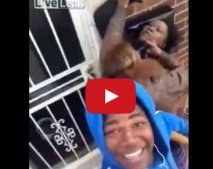بالفيديو : شاب يستمتع بشجار وتضارب أمه وصديقته من أجل سيلفي!