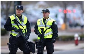 مسلمة تقاضي الشرطة الأمريكية لإجبارها على خلع الحجاب