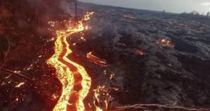 فيديو ..  الحمم البركانية تحرق غابات هاواي
