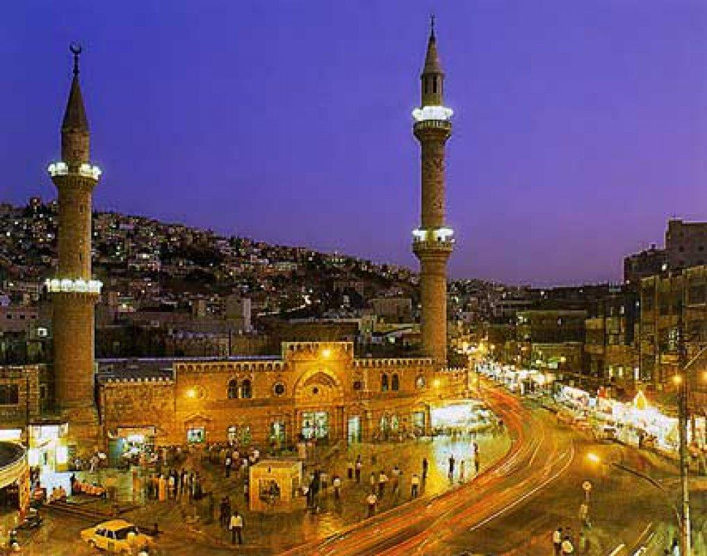 الأميرة دانا تطالب بالتأني بترميم المسجد الحسيني
