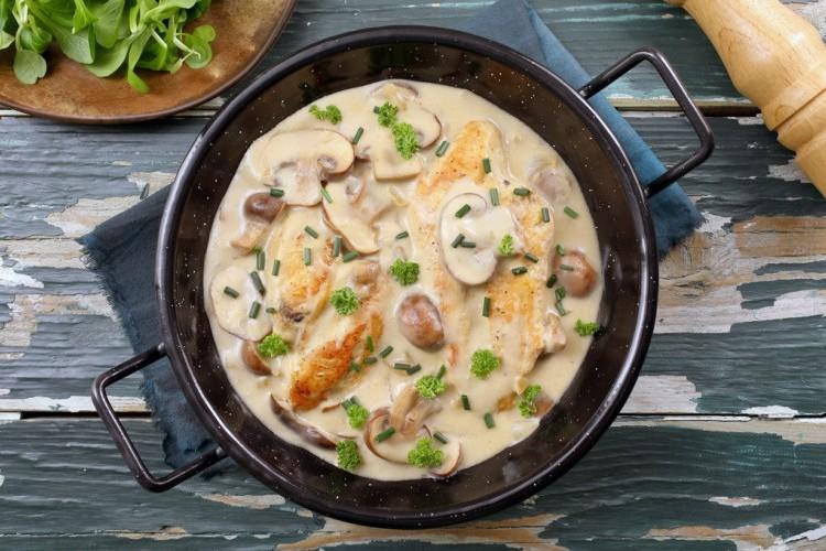 جربي وصفات صدور الدجاج بطعم كريمة الطبخ الغنية بالطعم الرائع