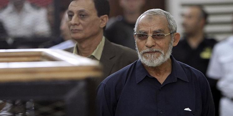 مصر.. إلغاء الحبس عامًا لأكثر من 300 شخص بينهم مرشد الإخوان ونجل مرسي