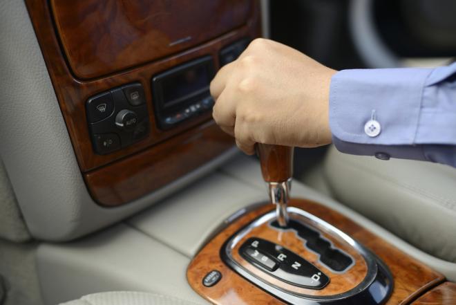 بالصور .. تعلم قيادة السيارة الأوتوماتيكية في 11 خطوة