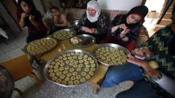 خبير تغذية يحذر من الاندفاع على أكل الكعك والبسكويت في العيد