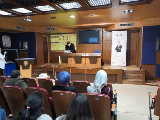 مركز الاستشارات والتعليم المستمر في جامعة عمان الأهلية ينظم ورشة تطبيقية حول منتجات شركة أبل الأمريكية