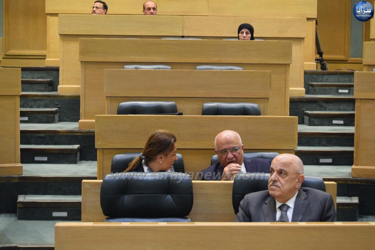 المعشر يطلب تأجيل مناقشة مذكرة طرح الثقة بعدد من الوزراء