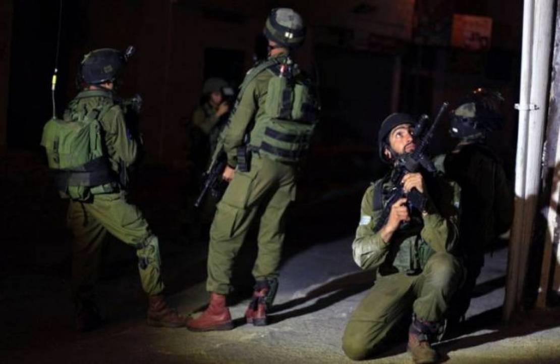 الاحتلال يعتقل شابًا والمستوطنون يعتدون على شقيقين في بيت لحم