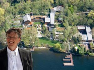 """بالفيديو .. تعرف على منزل """"بيل غايتس"""" أغنى أغنياء العالم و كلفة بنائه وتجهيزاته الخيالية"""