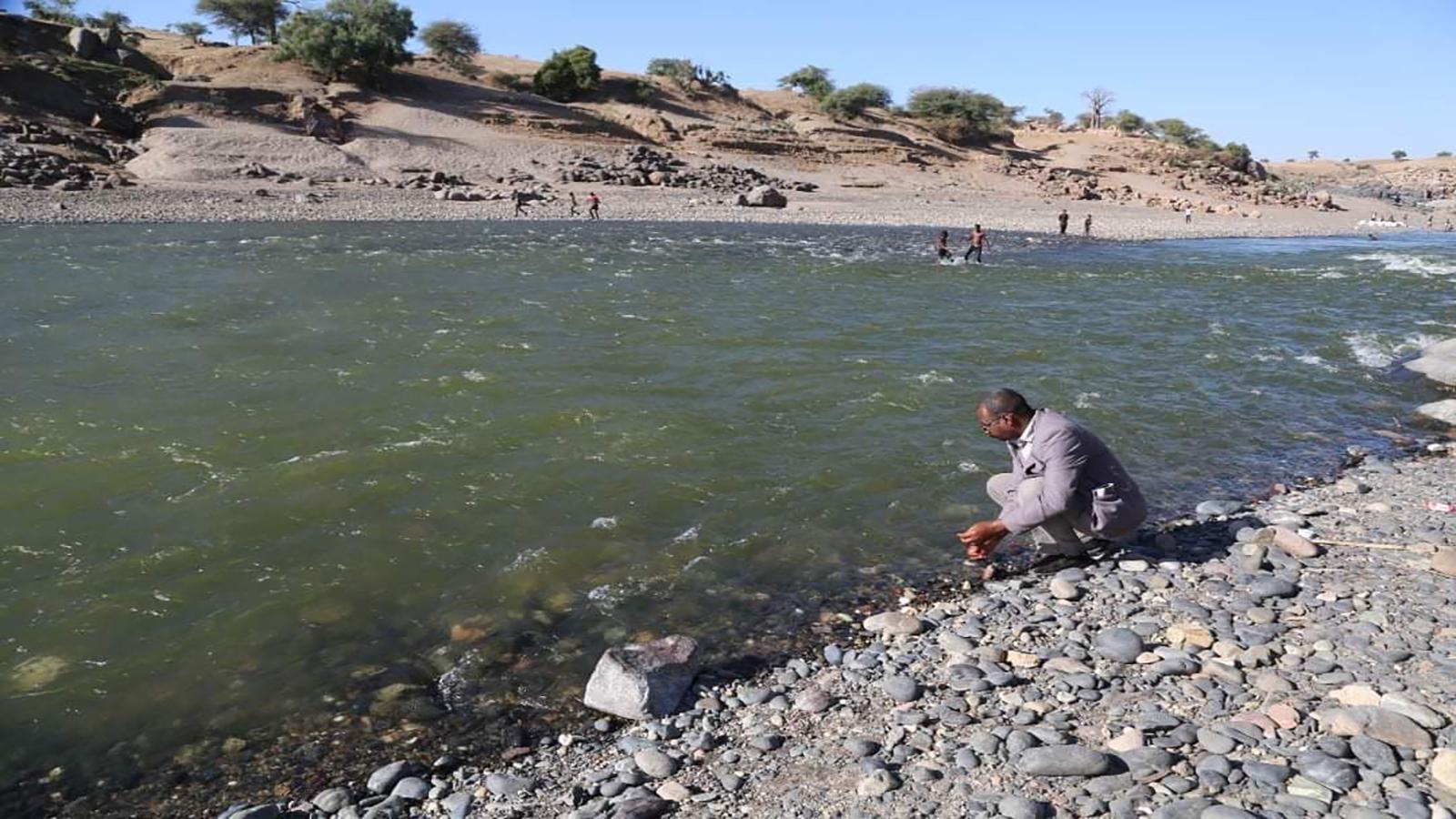 العثور على 30 جثة على ضفتي نهر بين السودان وإقليم تيغراي الإثيوبي
