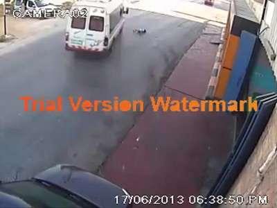 حادث دهس مروع لطفلة .. فيديو