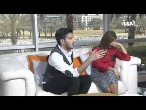 بالفيديو .. مذيعة قناة العربية تكتشف انها حامل على الهواء مباشرة