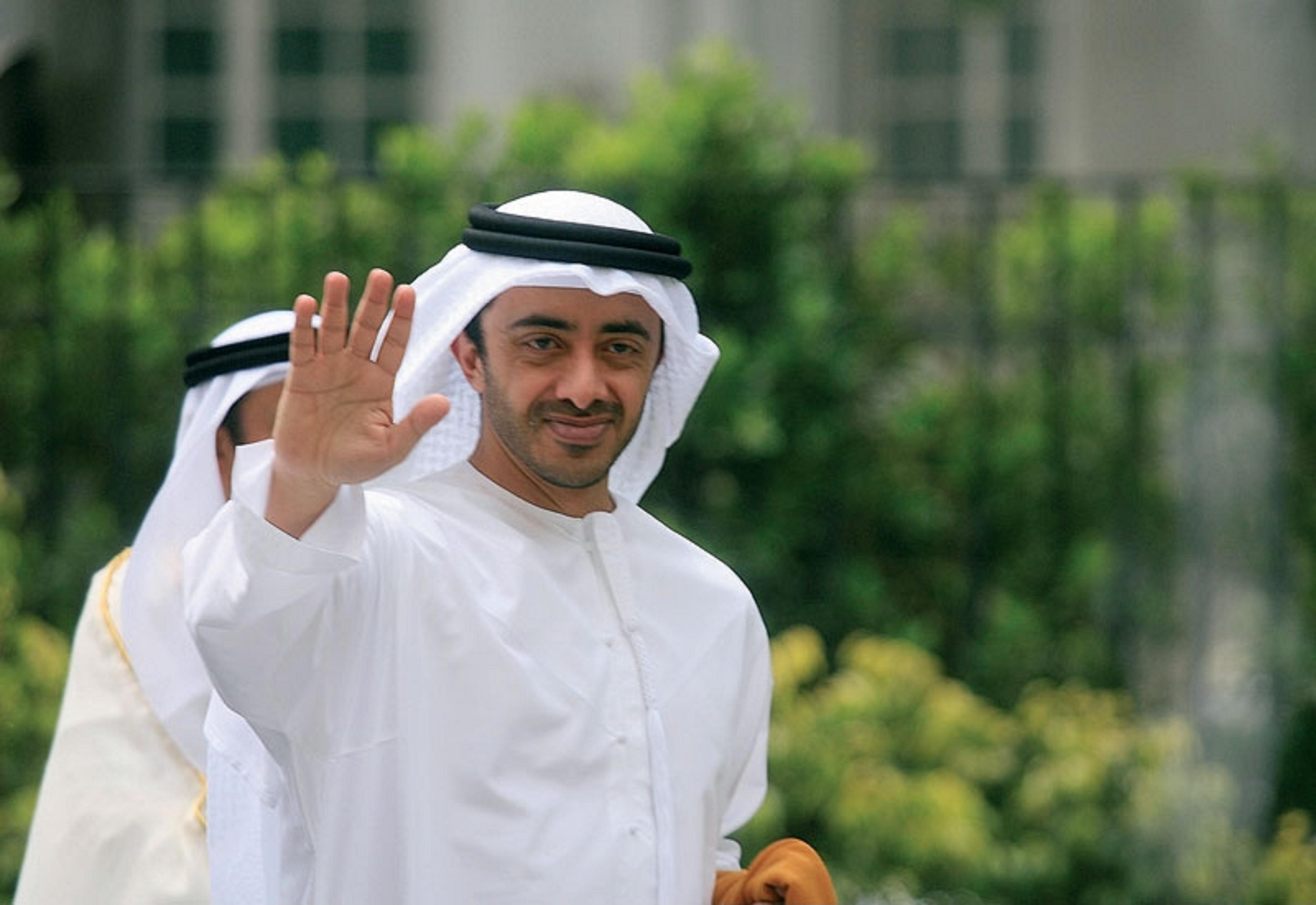 الشيخ عبد الله بن زايد آل نهيان في عمان اليوم