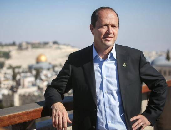 قرار لرئيس بلدية الاحتلال بوقف الأونروا بالقدس بهدف تهويد المدينة