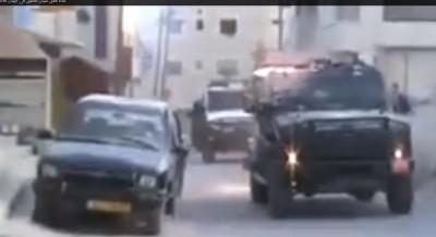 بالفيديو .. شاهد ماذا فعل الشبان الفلسطينيين بسيارات جيش الإحتلال