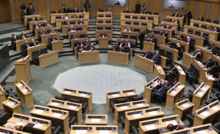 تشريعات جديدة مرشحة لاستئناف الاحتقان بين الحكومة والنواب