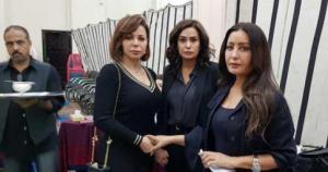 سوزان نجم الدين من عزاء لعرض أزياء بفستان واحد بساعة واحدة