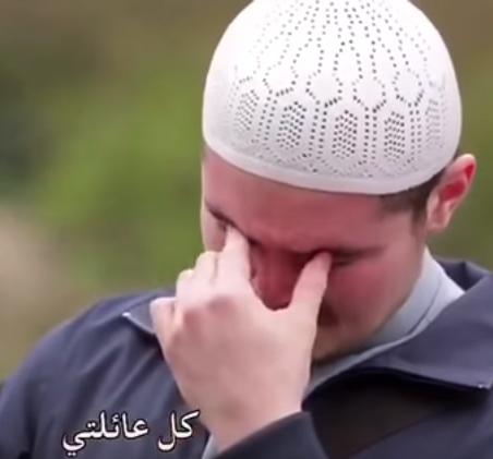 بالفيديو ..  ماذا تمنى هذا الشاب المسلم بعد دخوله في الإسلام؟