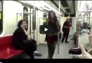 تحدياً لسياسة ايران ..بالفيديو فتاة ترقص علناً في مترو