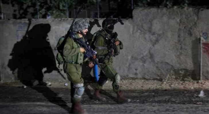 الاحتلال يعتقل 7 مواطنين