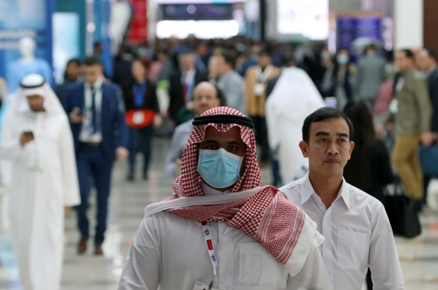 """52 حالة شفاء من """"كورونا"""" في الإمارات ورصد 85 حالة جديدة"""