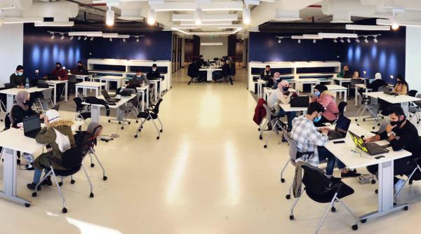 """كلية """"لومينوس الجامعية التقنية"""" تعلن عن توظيف أكثر من 120 خريج من دورة تطوير البرمجيات"""