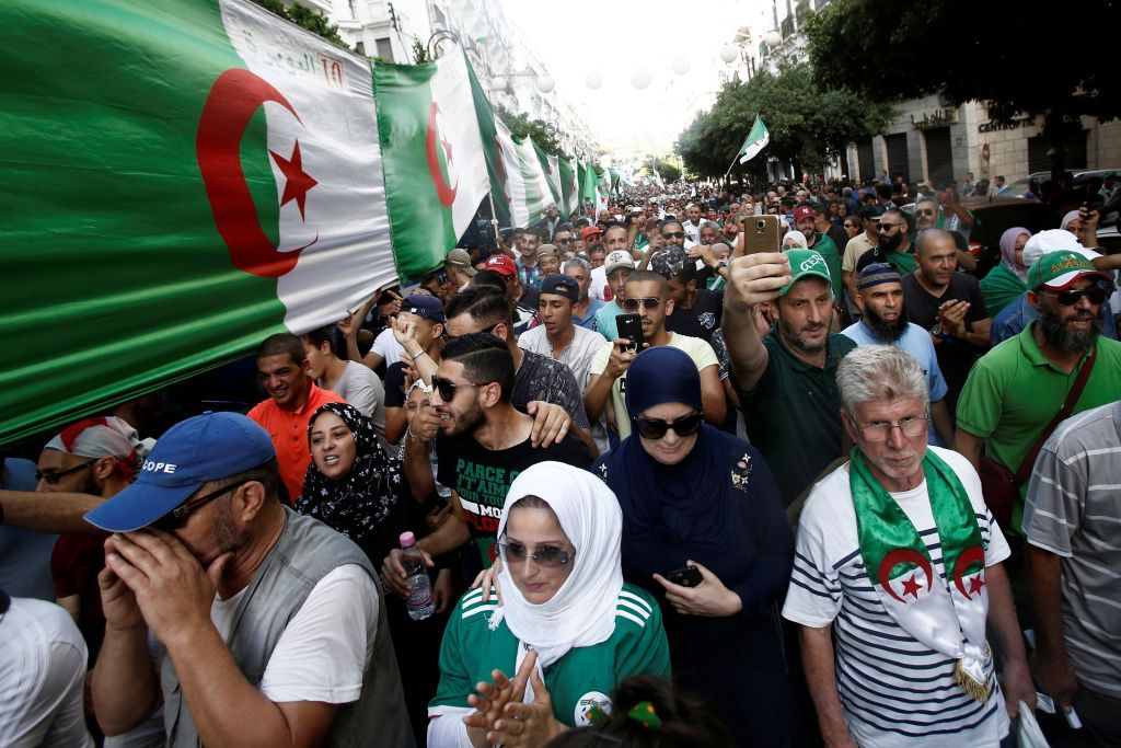 بالصور ..  تظاهرات في الجزائر ضدّ مشروع قانون جديد للمحروقات