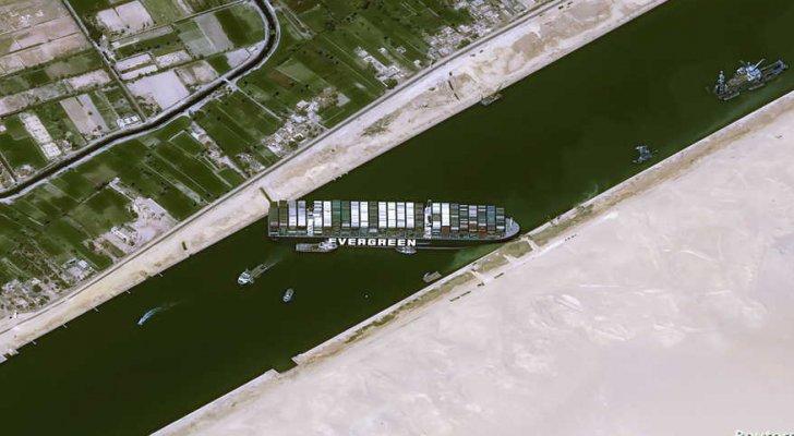 هيئة قناة السويس تكشف آخر تطورات السفينة الجانحة