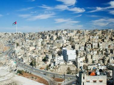 السوريون أدخلوا أكثر من مليار دولار للاقتصاد الأردني