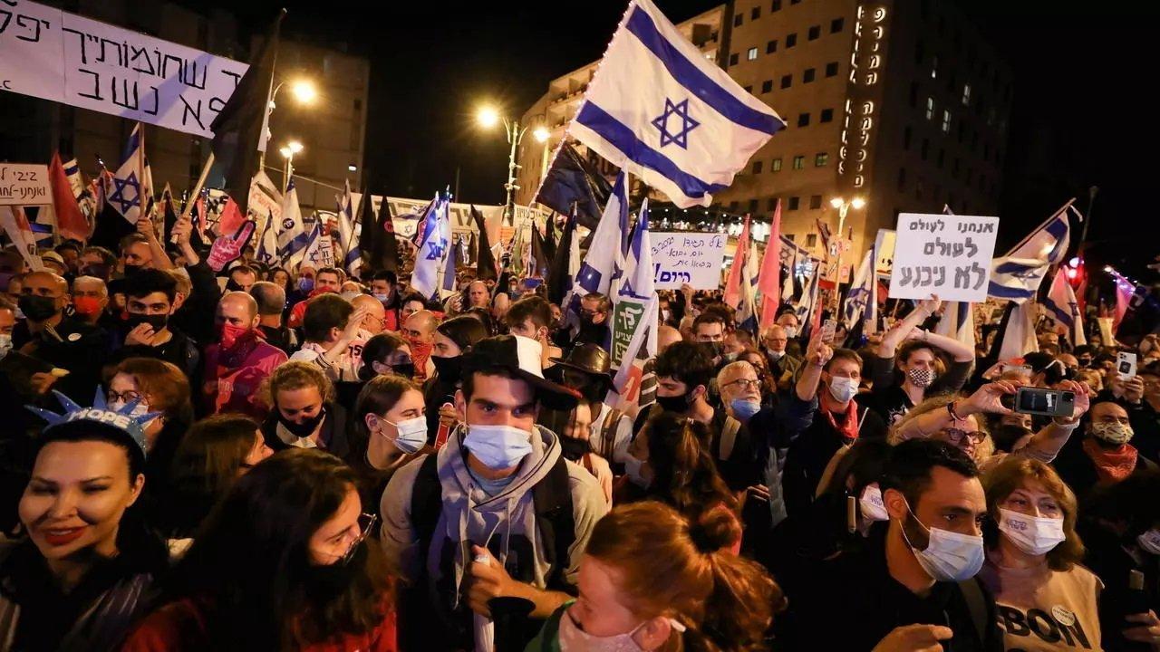 تظاهرة حاشدة ضد نتنياهو في القدس قبل ثلاثة أيام من الانتخابات