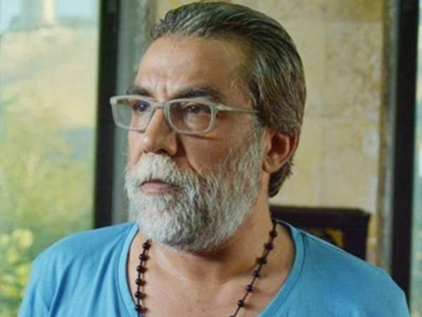 أيمن رضا: انتقدني ممثل والدته تكتب له أعماله  ..  من يقصد؟