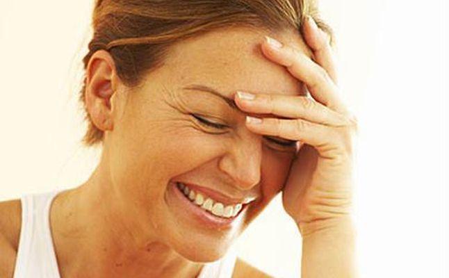 ما معنى الضحك في المنام  ..  الفرح أو البكاء ؟