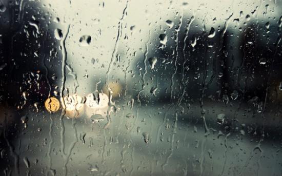 منخفض جوي وأمطار غزيرة على فترات وتحذير من السيول والضباب تؤثر على المملكة اليوم