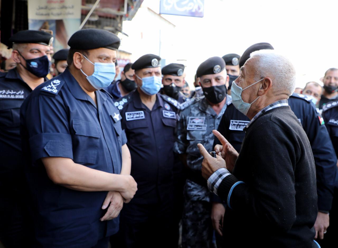 بالصور ..  خلال جولة في وسط العاصمة ..  الحواتمة : العمل الأمني لا ينتهي ونتابع نتائج الحملات الأمنية
