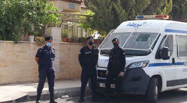 """محافظ العاصمة: سحب عينات """"عشوائية"""" لمجاوري عمارتين معزولتين في عمّان"""
