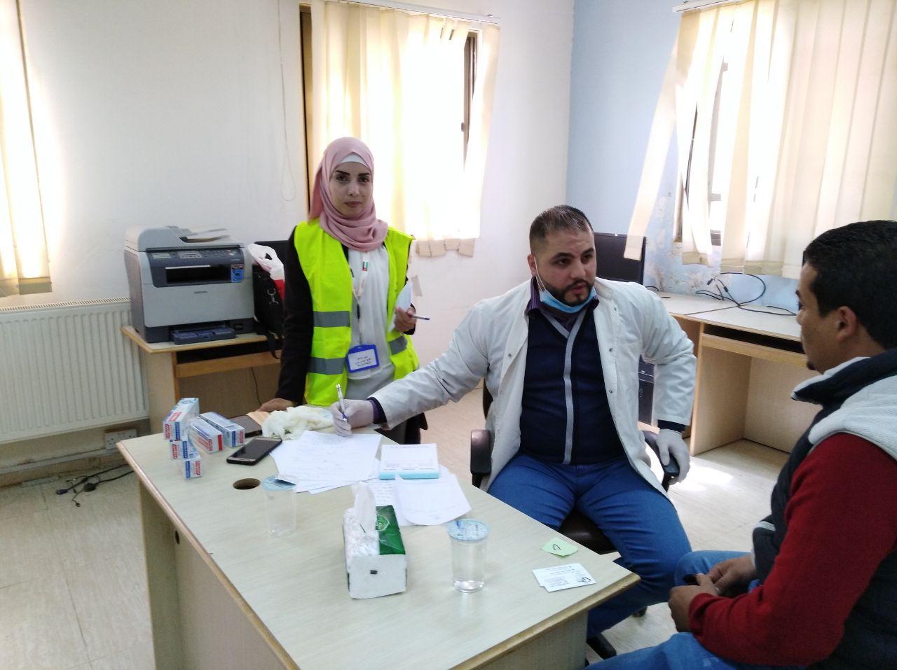 بالصور ..  معالجة 1500 مريض في يوم طبي نظمته بلدية الجيزة