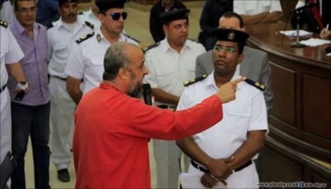 بالفيديو  ..  البلتاجي لأعضاء المحكمة المصرية : هل تنامون وأنتم مطمئنون؟