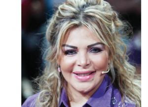 بالفيديو .. «فُلة»: «لطيفة وأحد أبناء مبارك لفقا لي قضية دعارة لزواجي من جمال عبدالحميد»