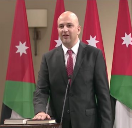 الوزير غرايبة لسرايا : لم أطالب بإسقاط النظام و زوجتي اكثر شيء افخر به و اتقبل الانتقاد الايجابي