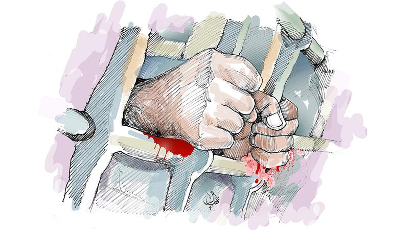 عامل يهشم رأس رئيسه لإمساكه من أذنه في إمارة دبي