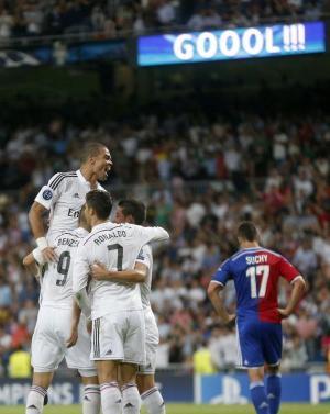 بالفيديو : ريال مدريد يستهل الدفاع عن لقبه بفوز ساحق على بازل