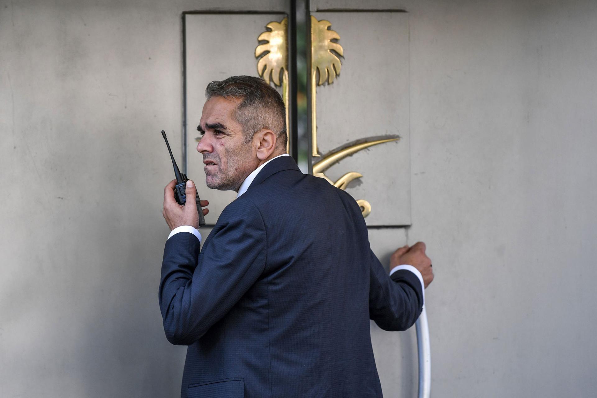 بالفيديو  ..  مفاجأة ..  مواطن تركي أبلغ المحققين بأنه سمع صوت عراك وصراخ أثناء تواجد خاشقجي في القنصلية