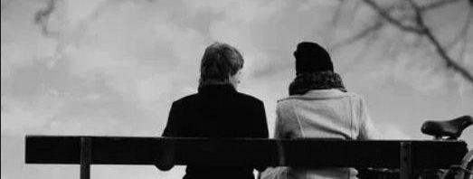 تفسير حلم رؤية شخص تحبه وهو بعيد عنك